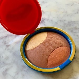 MAC Cosmetics  Blush Wonder Woman Golden Lariat